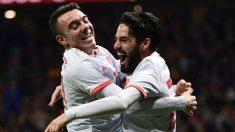 Aspas e Isco celebran un gol. (AFP)