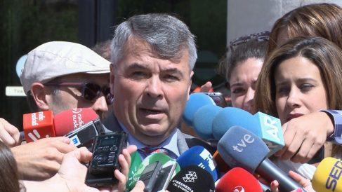 El abogado de La Manada a la salida de la vista. Foto: Europa Press