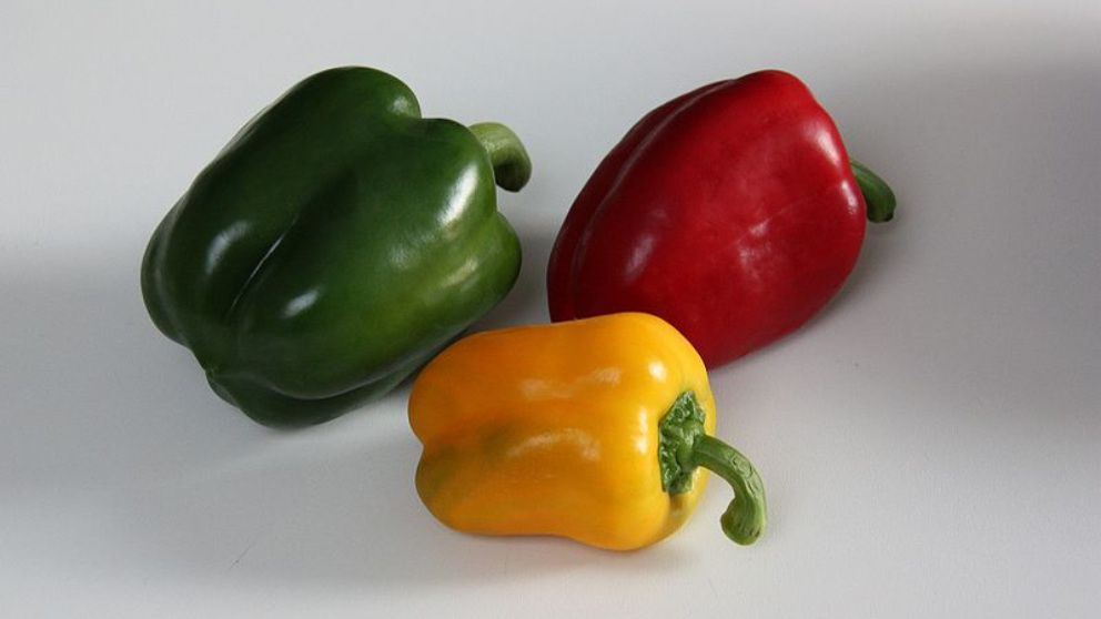 Descubre las diferencias nutricionales entre el pimiento rojo, verde y amarillo