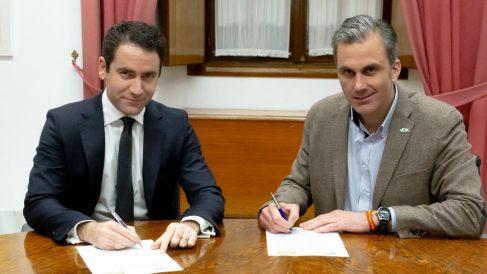 García Egea y Ortega Smith, secretarios generales del PP y VOX
