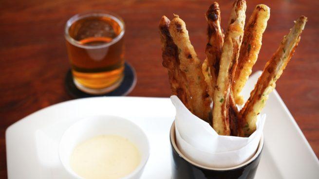 espárragos trigueros en tempura