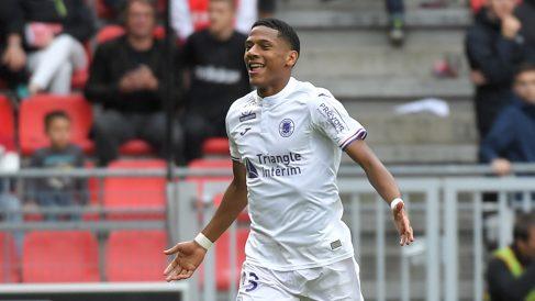 Todibo, celebrando un gol con el Toulouse (AFP).