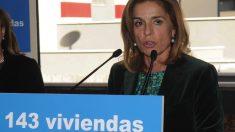 Ana Botella entregando viviendas protegidas. (Foto. Madrid)