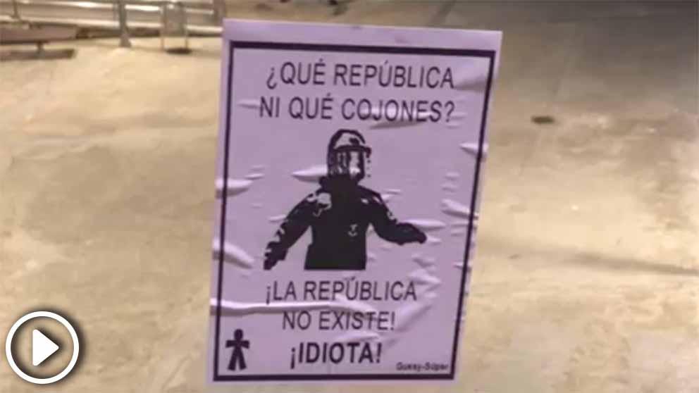 Pegatinas y carteles a favor del mosso de los «collons»
