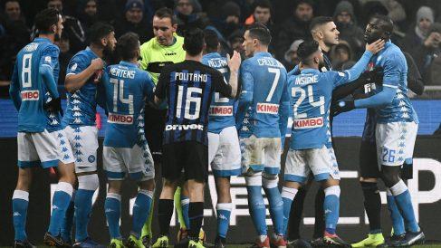 Tangana que se montó en el Inter de Milán – Nápoles. (AFP)