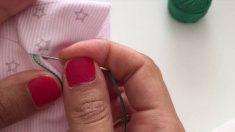 Bordar un nombre a mano es sencillo y dará un toque muy especial a cualquier prenda o complemento