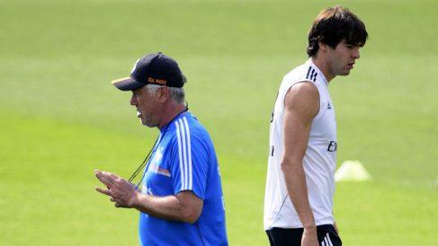 Kaká y Ancelotti en un entrenamiento con el Real Madrid. (AFP)
