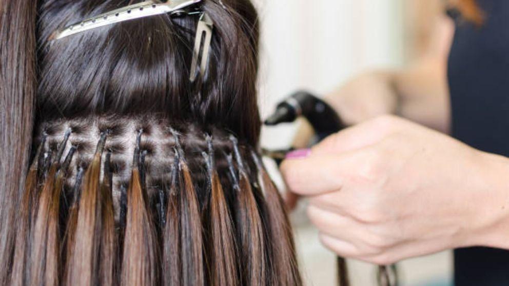 Guía de pasos para saber cómo quitar las extensiones de pelo