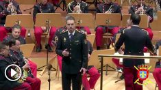 El agente Ángel Cortés interpretando 'El Novio de la Muerte' en un concierto benéfico de la Academia General Militar. (Fuente: Ejército de Tierra)