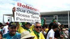 Seguidores de Bolsonaro este martes en Brasilia (Foto: AFP).