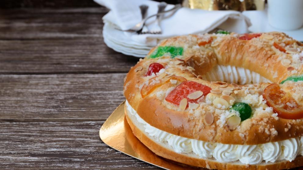 Receta de Roscón de Reyes casero relleno de nata 2019