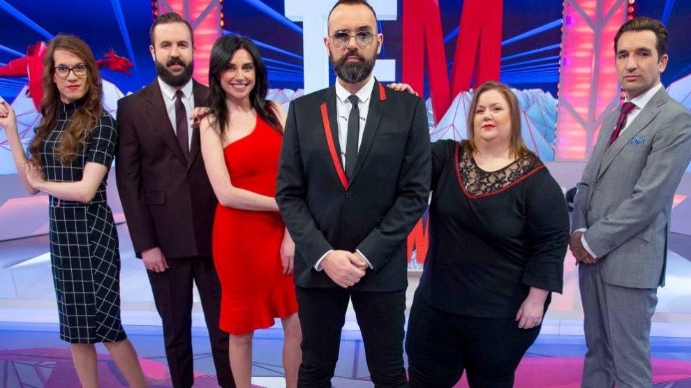 Risto Mejide con sus colaboradores del programa 'Todo es mentira'.