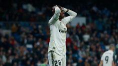 Vinicius se lamenta tras una acción ante la Real Sociedad (Getty).