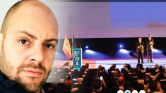 Xavier Panadero, ante una imagen del ciclo de conferencias organizado por el CNI.