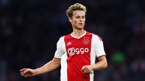 De Jong, en un partido reciente del Ajax (Getty).