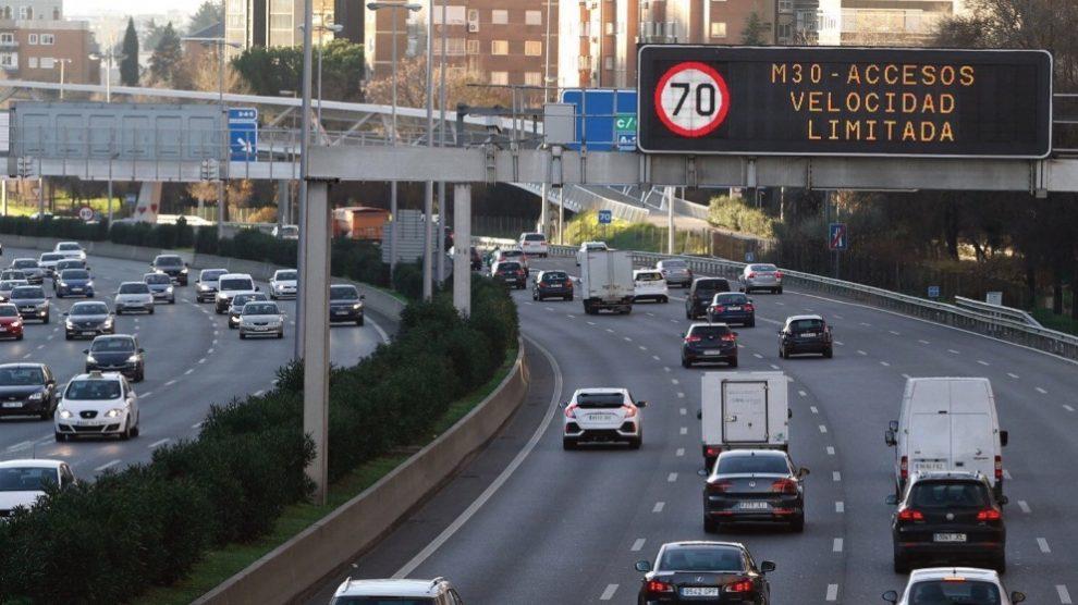 Limitaciones al tráfico del protocolo contra la contaminación del Ayuntamiento de Madrid. Foto- EFE