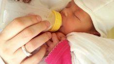 Dar el biberón en lugar del pecho incrementa las posibilidades de que el bebé sea zurdo
