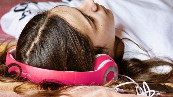 escuchar música por la noche