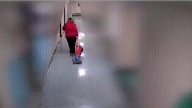 arrastrar a un alumno con autismo