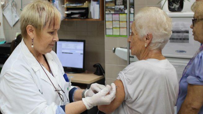El virus de la gripe que afecta a España aumenta los casos de hospitalización y neumonía