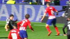 Vukcevic tenía la mano apoyada.