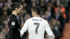 Ibrahimovic y Cristiano Ronaldo durante un partido.