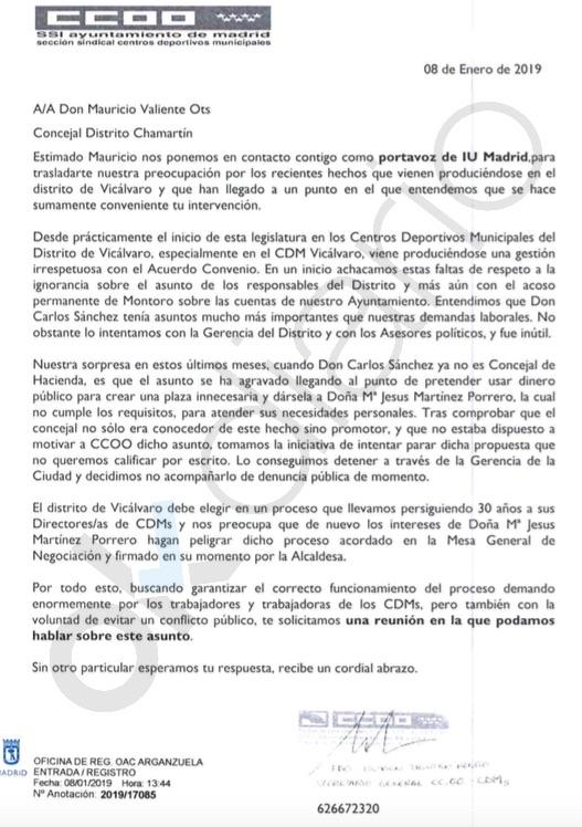 Carmena despide a 17 directores de polideportivo y genera la guerra entre sindicatos e IU