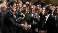 Mariano Rajoy y José María Aznar. Foto: Europa Press