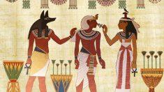 Las sacerdotisas egipcias aparecen en su arte.