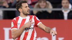 Stuani, objetivo del Barcelona, celebra un gol con el Girona. (AFP)