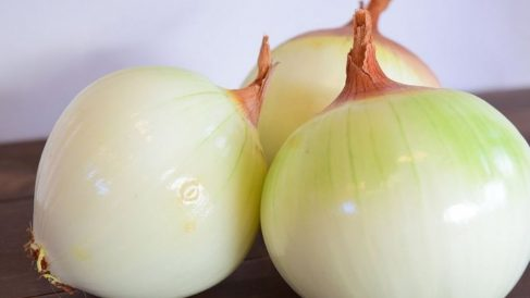 Los alimentos ricos en calcio y potasio son beneficiosos para todas aquellas con hipertensión.