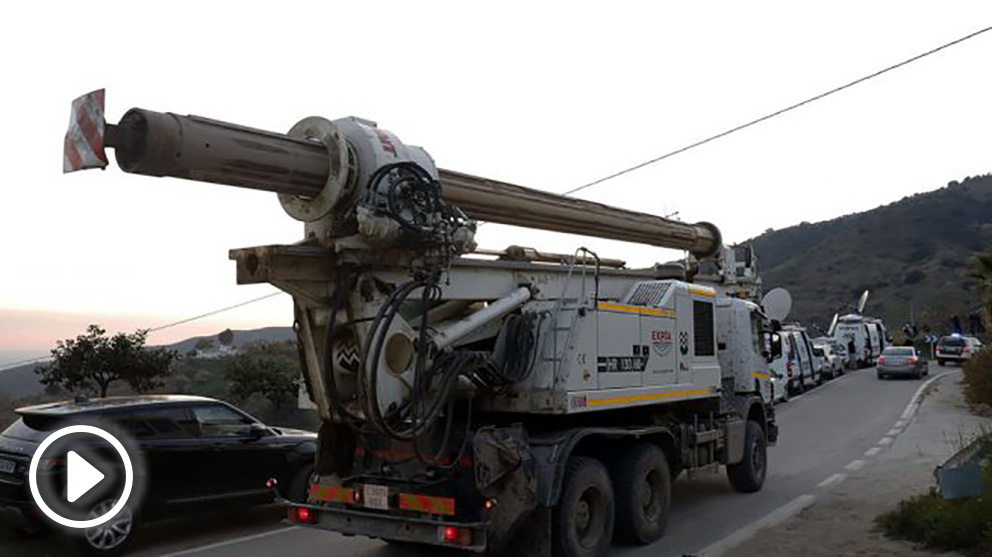 camion-pozo-julen-rescate-totalan-655×368 copia