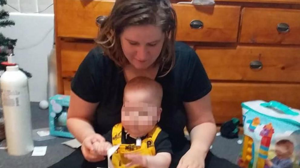 Una madre es detenida por envenenar a su hijo enfermo con lejía