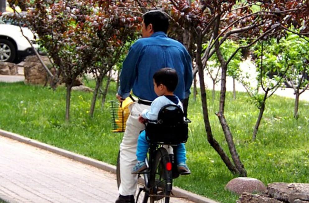 Consejos básicos para salir en bici con el bebé