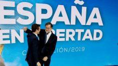 Mariano Rajoy y Pablo Casado, en la Convención Nacional del PP.  (EFE)