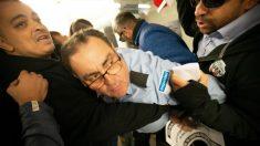 Tito Álvarez, líder del taxi de Barcelona, intenta entrar en la CNMC catalana