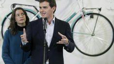 El presidente de Ciudadanos, Albert Rivera, y la líder del partido en Cataluña, Inés Arrimadas, en una imagen reciente (EFE).