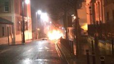 Una foto tomada en el lugar de la explosión del coche bomba en Londonderry, en Irlanda del Norte. Foto: @PSNIDCSDistrict