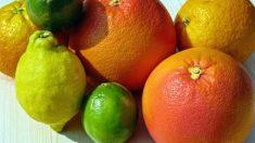 Con el fin de combatir los resfriados, la gripe y la tos, los mejores alimentos son los cítricos.