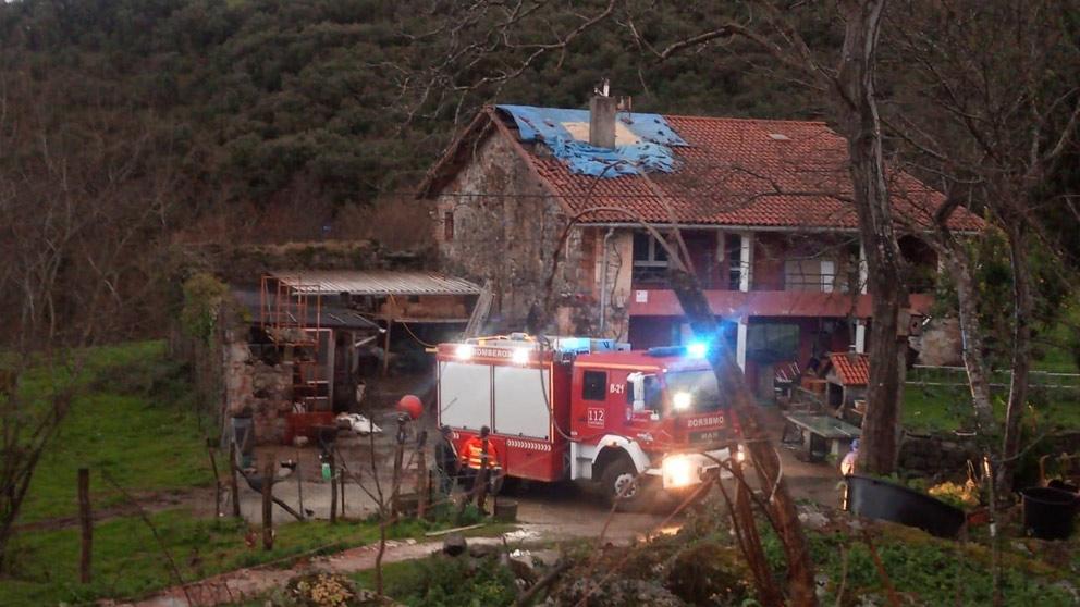 un incendio en una casa en el monte en la localidad de Cantabria de Voto.