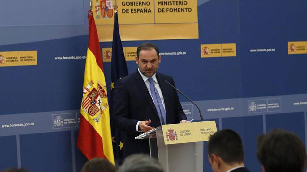 El ministro de Fomento del Gobierno de Pedro Sánchez, José Luis Ábalos. Foto:EFE