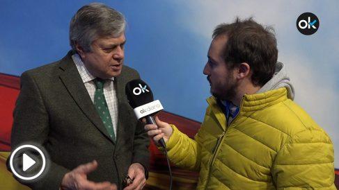 Leopoldo López padre habla con OKDIARIO en la Convención Nacional del PP.