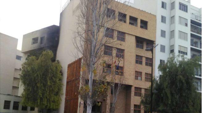 Calcinadas dos plantas del edificio de Juzgados de Ibiza debido a un incendio