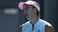 Garbiñe Muguruza se lamenta de un punto fallado ante Pliskova en Australia. (Getty)