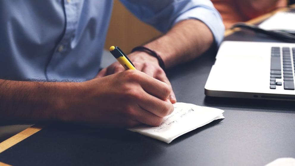 Razones por las que deberías seguir escribiendo a mano