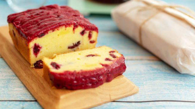 Pan con frutos rojos