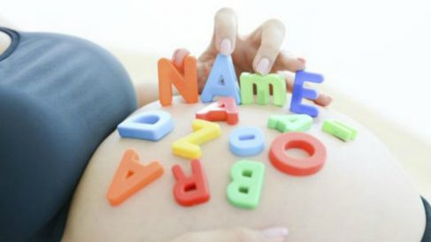Qué hacer antes de elegir el nombre del bebé