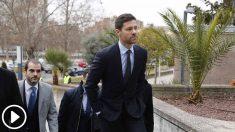 El exfutbolista del Real Madrid y entrenador español, Xabi Alonso, se dirige a la Audiencia Provincial de Madrid para ser juzgado por la comisión de tres delitos contra la Hacienda Pública durante los ejercicios fiscales de 2010, 2011 y 2012. Por ello,