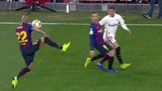 El polémico penalti no pitado al Barcelona en Sevilla.