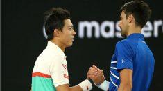 Djokovic saluda a Nishikori en el Open de Australia. (Getty)